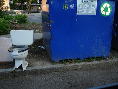 Recycle_toiletz_2